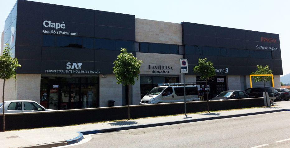 Local comercial de 175 m2 en Lliçà de Vall. Al lado del Condis.