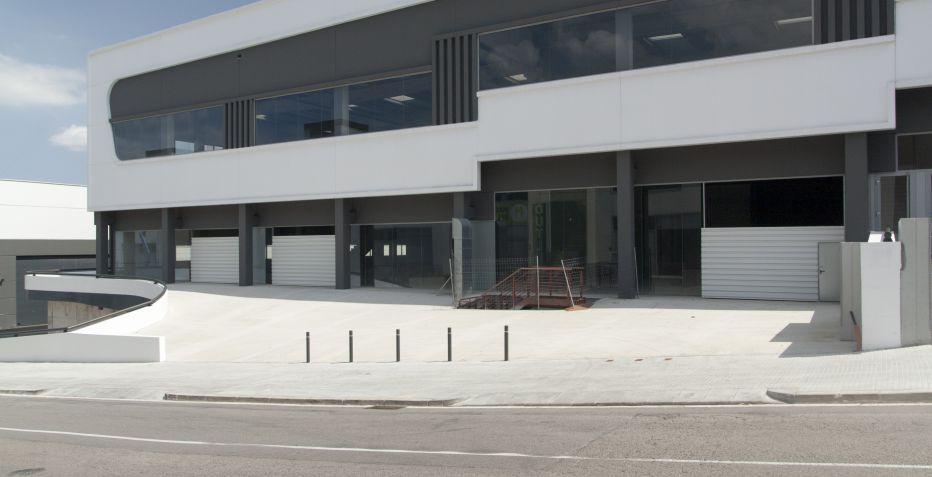 Nave industrial de 500 m2 de planta en Terrassa.