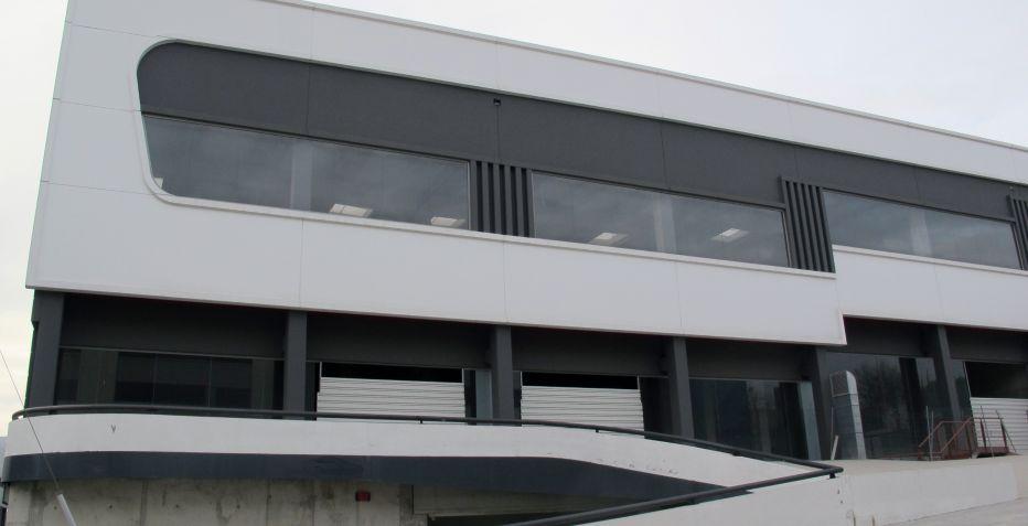 Nave industrial de 2.000 m2 en Terrassa.