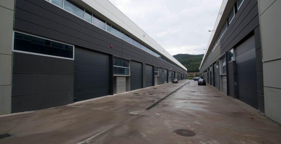 Nave industrial de 257 m2 de planta equipada!!!