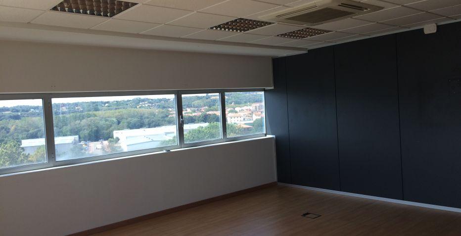 Oficina de 40 m2 con vistas espectaculares.